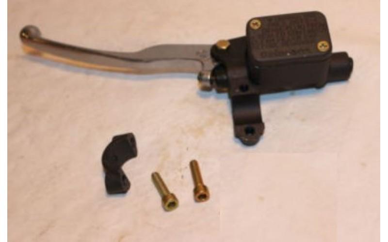 Главный тормозной цилитндр,оригинал Aprilia AP8213260